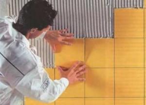 Необходимые инструменты и методика того, как класть плитку