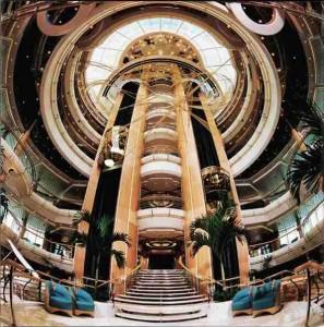 Преимущества, надежность- все это панорамный лифт- эффектная деталь архитектуры