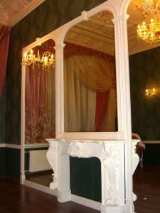 Зеркала в спальне, зеркала в интерьере часто используют декораторы